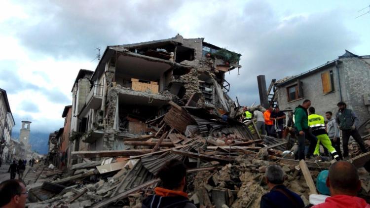 1472024095913 1472024725.jpg terremoto tra umbria  marche e abruzzo  morte e distruzione  la cronaca della tragedia Emergenza terremoto 2016