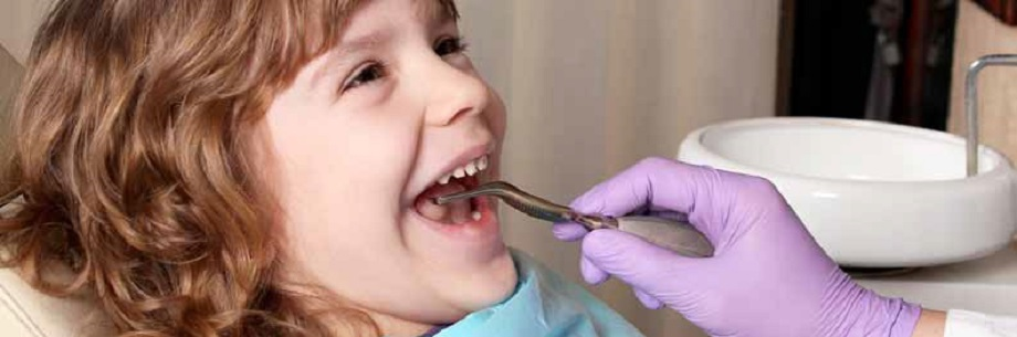 """bambina adotta un sorriso 32 minori curati gratuitamente a Reggio Emilia con """"Adotta un sorriso di un bambino"""""""