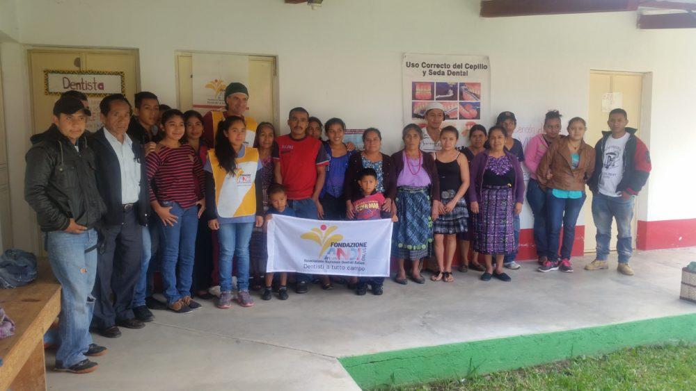 20160810 082114 e1475658162613 Un dentista tra la popolazione maya del Guatemala