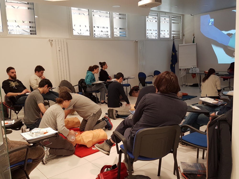 20180406 112630 e1525686655985 21 colleghi ANDI Young sono pronti a insegnare a salvare vite!