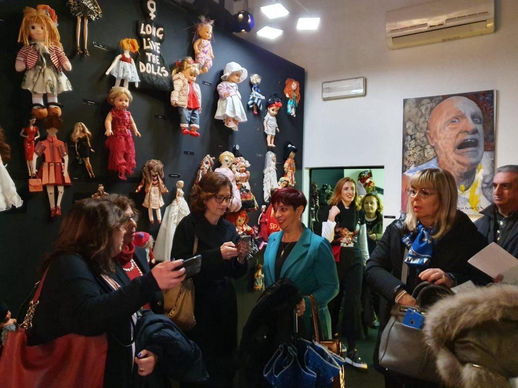 IMG 20191125 WA0002 Fotogallery: domenica 24 novembre Fondazione ANDI e The Wall of Dolls insieme in occasione della giornata contro la violenza sulle donne