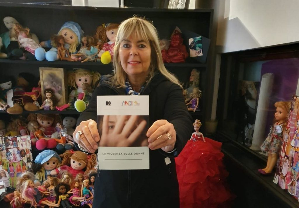 IMG 20191125 WA0010 e1611573696344 Fotogallery: domenica 24 novembre Fondazione ANDI e The Wall of Dolls insieme in occasione della giornata contro la violenza sulle donne