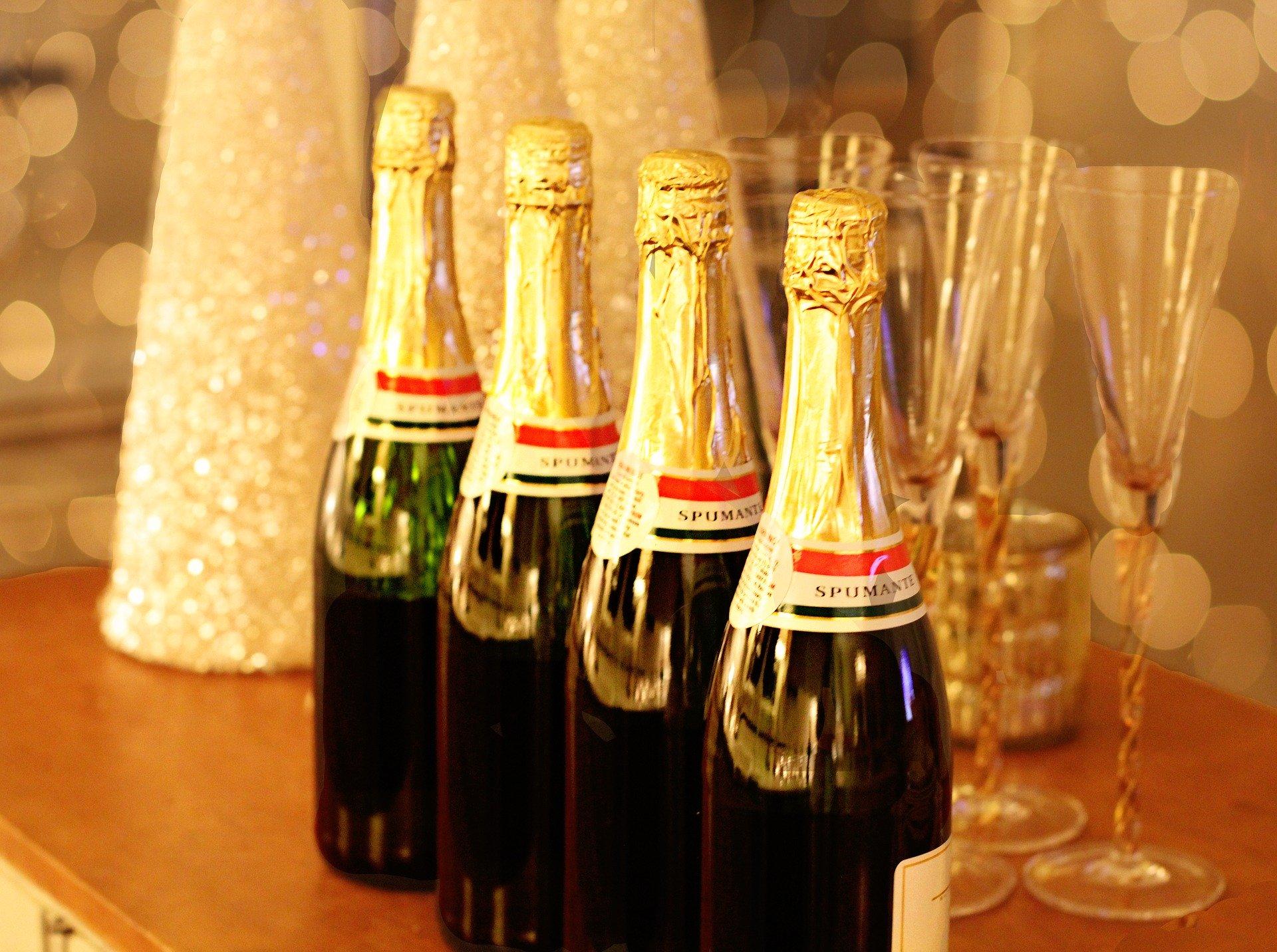 champagne 1939795 1920 Natale brindando, un consiglio per la salute dei denti